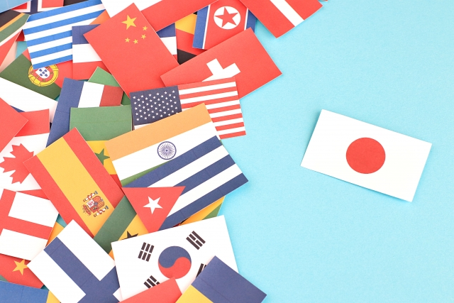 日本を除いた世界国旗の画像。